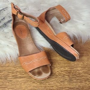 Ariat leather sandals size 7